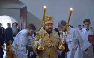 Митрополит Иларион Алфеев впервые совершил старообрядческую Литургию