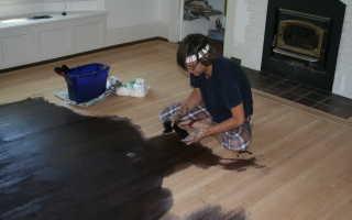Как правильно красить полы из дерева