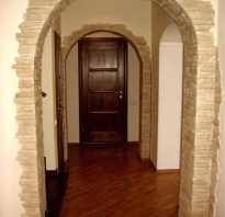 Отделка каменной арки в квартире декоративным