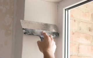 Как заделать трещины между окном и откосом