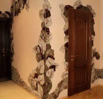 Ниши отделка камнем возле двери