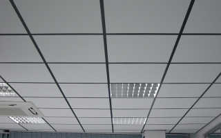 Виды и монтаж потолка армстронг
